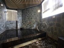 姉妹店『和』のお風呂(別館)。このエリアは露天風呂っぽい雰囲気になっています。