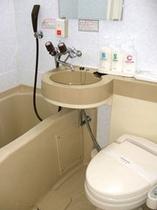 シングル、DXシングル/セミダブルのお風呂。ゴメンナサイ、狭いです。