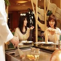 ◆鉄板焼き/目の前で調理されたお料理を楽しむ
