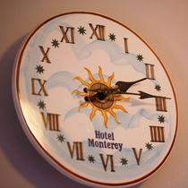 客室壁掛け時計