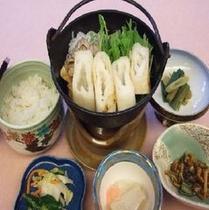 """秋田銘物""""きりたんぽ鍋""""料理長自慢の1品です。"""