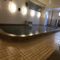 ■大浴場:ナトリウム炭酸水素塩泉の天然温泉♪とろみのある茶褐色の湯が特徴です♪