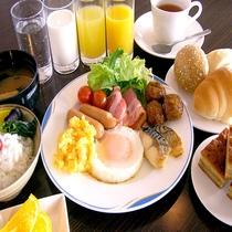 ■朝食:和洋食の無料バイキング