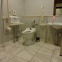 4階 障害者用化粧室