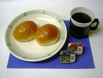 朝食パンのサービスは1階、AM7時からです。