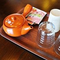 お部屋にはお茶セットをご用意(無料)