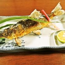 *<夕食一例>鮎の塩焼き