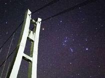 星空と上野スカイブリッジ