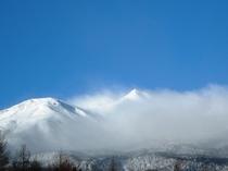 12月、吹雪の乗鞍岳。