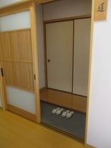 1階にお部屋がございます。極力段差は減らしてございます。