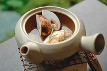 【秋料理】【松茸土瓶蒸し】ふんわり漂う香りが秋の奥深さを感じます