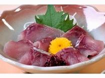 【通年料理】【鯉の洗い】引き締まった鯉の洗いを自家製からし味噌につけていただきます