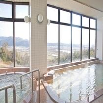 大浴場 ※景色を眺めながらご入浴いただけます。