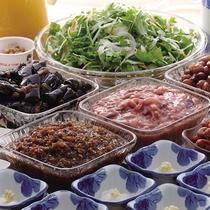 *朝食一例/サラダ・ヨーグルト・ドリンクなどのサイドメニューバイキング付き。
