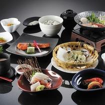 *浜御膳一例/当館スタンダード会席。北海道ならではの海の幸をバラエティ豊かにお楽しみください。