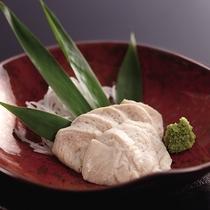 *≪冬期限定≫別注料理・たつかま600円/スケソウダラやマダラの白子を使ったかまぼこです。