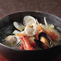 *レストランメニュー【昼】/海鮮ラーメン800円