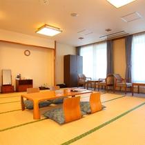 *和室20畳一例/8名様まで泊まれる大きなお部屋!三世代旅行やグループにお勧めです。