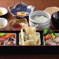 *レストランメニュー【昼】/山海弁当1,100円