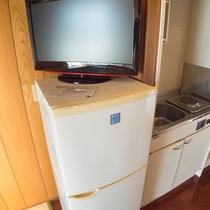 *お部屋のミニキッチン。持ち込みもOKなので自炊もしていただけます!