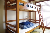 6-bed mixed dorm