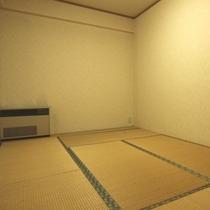 コテージYAMAHA 和室6畳が2間あります