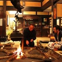 ◆母屋◆夕食後は囲炉裏端でかっぽ酒お楽しみください