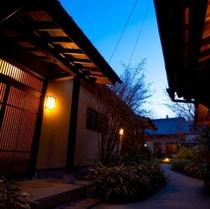 夕暮れの回廊
