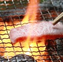 炭火焼きでお楽しみください。
