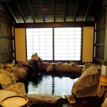 筋湯温泉の特徴は、良泉!豊富な湯量!
