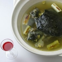 温泉水で養殖された西和賀特産すっぽん料理
