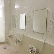 *洗い場一例/ご入浴は、ご滞在中いつでも利用OK♪