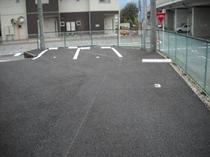 駐車場は徒歩約30秒。