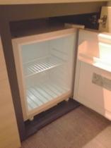 お部屋の冷蔵庫は空っぽです