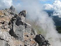 焼岳山頂(フリーライター高橋庄太郎様よりご提供頂いた写真です。)
