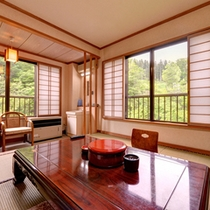 """*和室10畳(客室一例)/日常を離れて過ごす""""ゆとり""""の休日をご堪能ください。"""