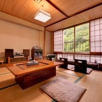 *客室カフェ/場所はそのときに空いている2階の客室。挽き立てのコーヒーを心地よい音楽とともに。