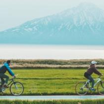 *周辺散策/大きくそびえる利尻山を眺めながらのサイクリングは最高!