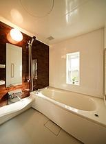 スーペリアルーム内の浴室