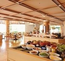 1階ブッフェレストラン「リバーズガーデン」C