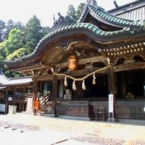 当館より徒歩5分!筑波山神社は縁結びの神様として有名です