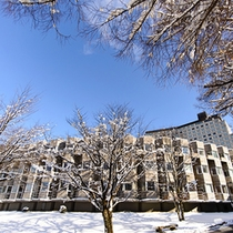 本館外観(冬)