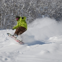 【スキー場】パウダースノーとスノーボーダー