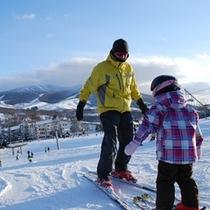 【スキー場】ホテルは目の前。キッズレッスンも安心
