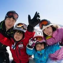 【スキー場】家族でバンザーイ!