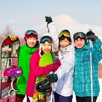 【スキー場】みんなで思いっきり雪を楽しんで♪