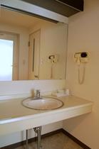 ダブルルーム 洗面所