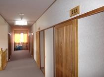 施設(廊下)