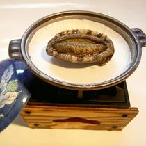 *【夕食一例】アワビの踊り焼