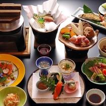 【山里会席料理】料理長が腕を振るう旬の会席料理。